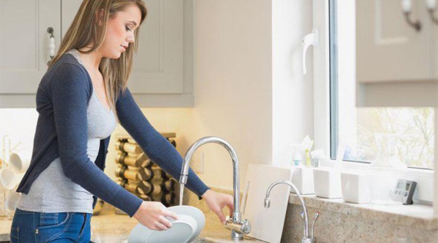 Muita louça para lavar? Organize primeiro